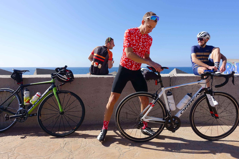 cyclists on break in Puerto Rico - Gran Canaria