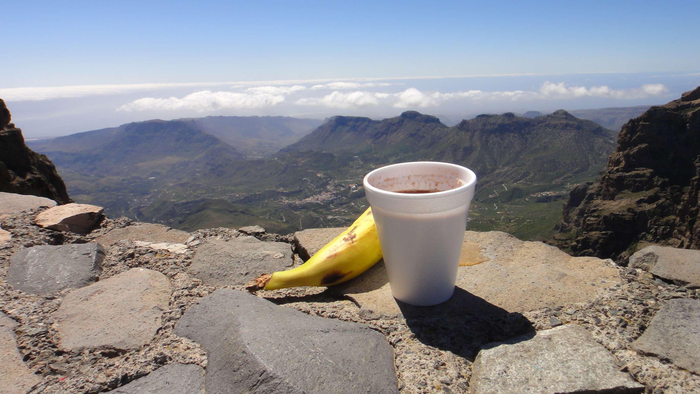 cycling coffee break in the Pico de las Nieves peak